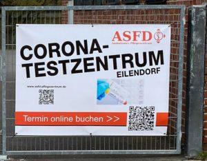 """Schild """"Corona-Testzentrum""""mit QR-Code"""